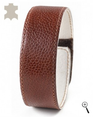 Brown magnetic accessory for wrist of real leather (details)