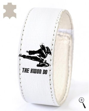 White magnetic accessory with Tae Kwon Do grip (details)